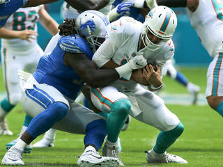 Dolphins defeated by Lions 32-21