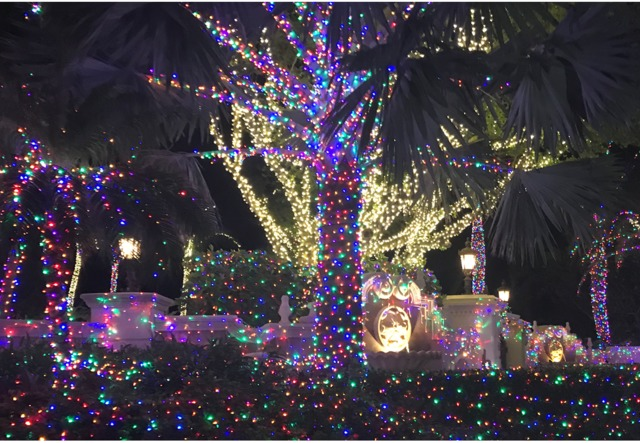 jensen beach mansion decorated with thousands of holiday lights